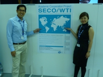 PhD students Victor Saco and Huong Nguyen at the annual DEZA / SECO conference on development cooperation - Bern, 17.08.2012