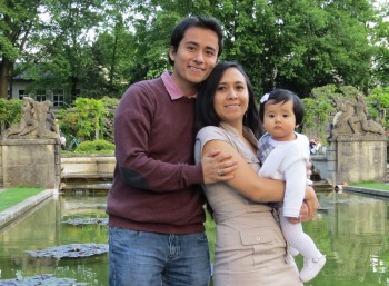 Roberto Claros and family